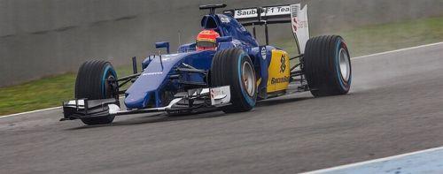 Felipe Nasr pilotando a nova Sauber (foto: Site Oficial da Sauber F1)